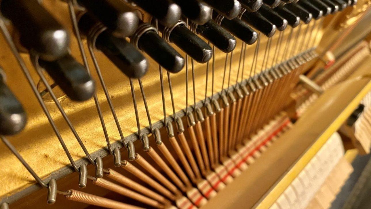 Piano OMC Estudios